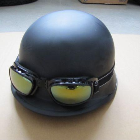 e73574ed5 Velorex 561 - sidecar   Prilby, okuliare