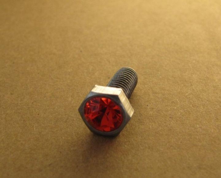 Skrutka ozdobná, červená, M6x16 mm