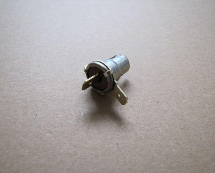 Objímka žiarovky BA9, dva kontakty, originál