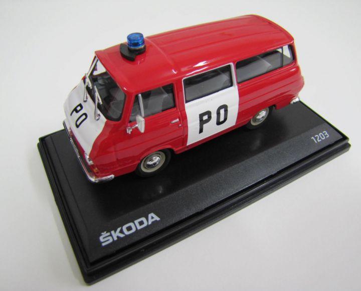 Model 1:43 - červená PO - Škoda 1203