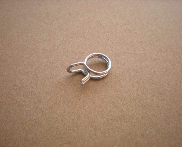 Objímka hadičky paliva 6/10mm