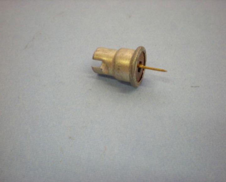 Objímka žiarovky /kontrolky/ - Ba9s