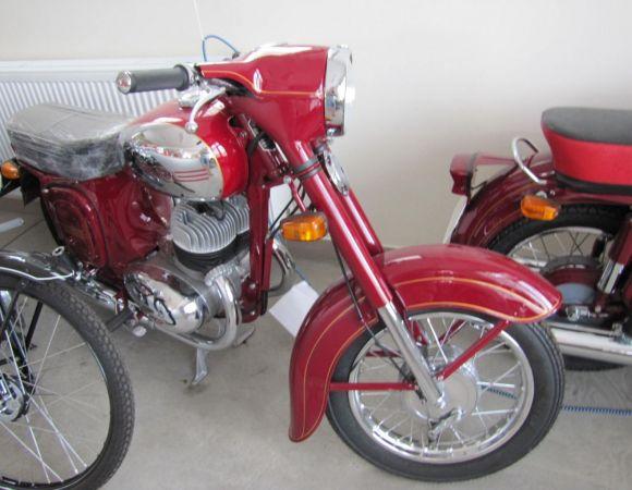 Motocykel Jawa 350/360